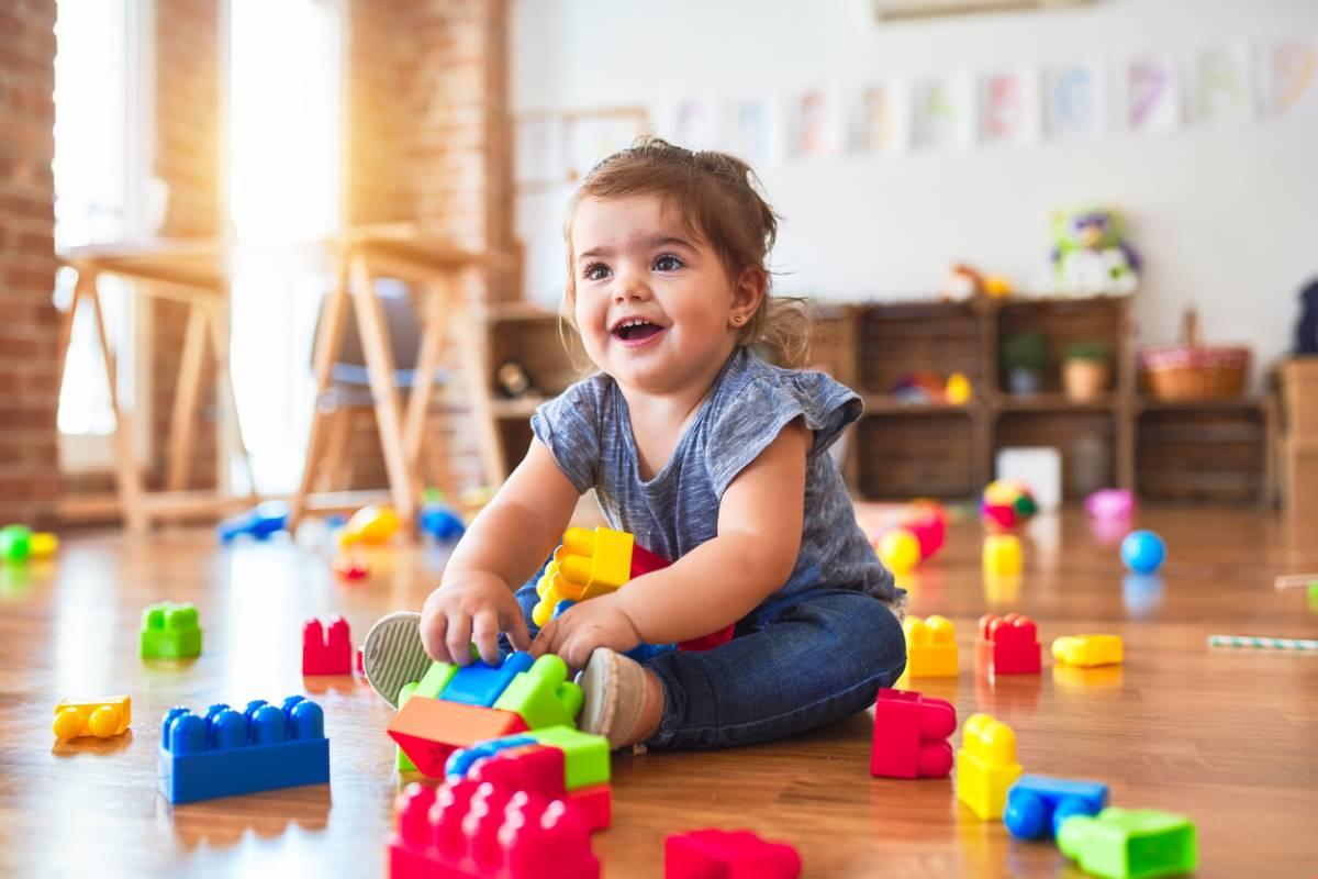 port de vêtements pour professionnels de l'enfance